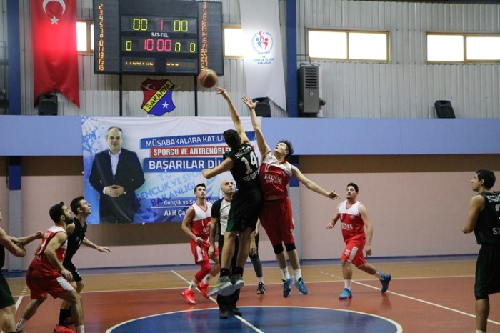 Basketbol derbisi nefes kesti