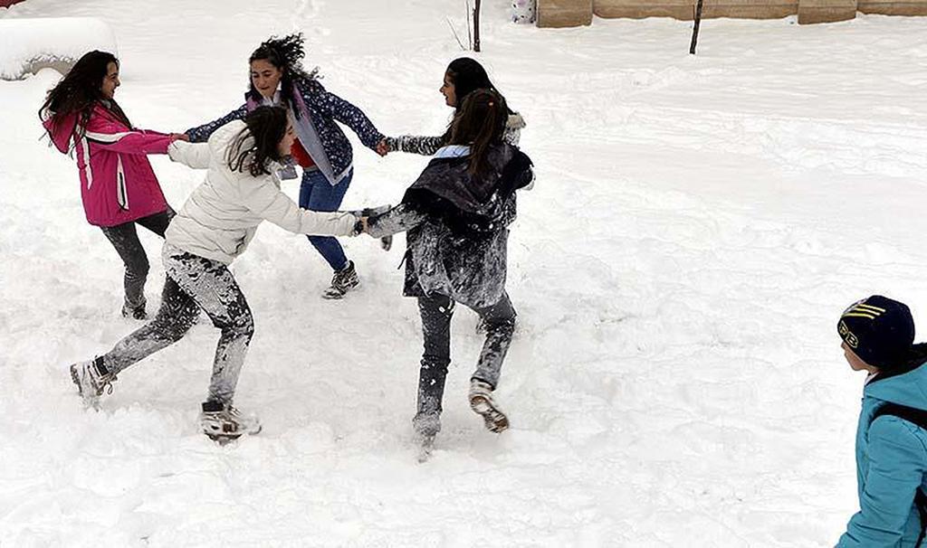 Vali Coş açıkladı: Eğitime bir günlük kar tatili kararı