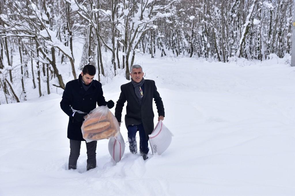 """""""Karasu'da Yaban Hayvanlarına Yem Bırakıldı"""""""