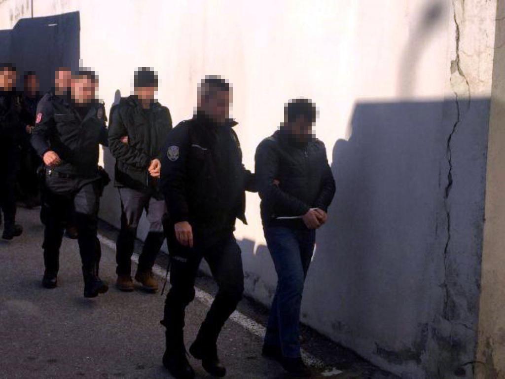 Sakarya'da FETÖ soruşturmasında 19 polis adliyeye sevk edildi