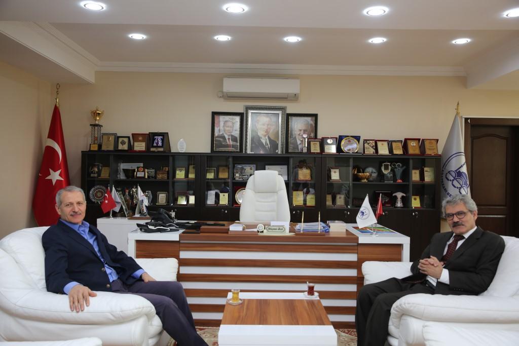 Adapazarı yeni Kaymakamı Çelikkaya'dan   Başkan Dişli'ye ziyaret