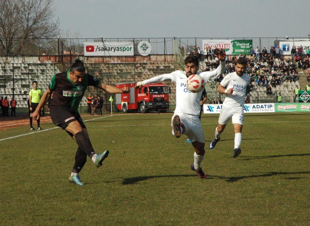 Sakaryaspor 4 maç sonra Payasspor'u 2-0 yendi