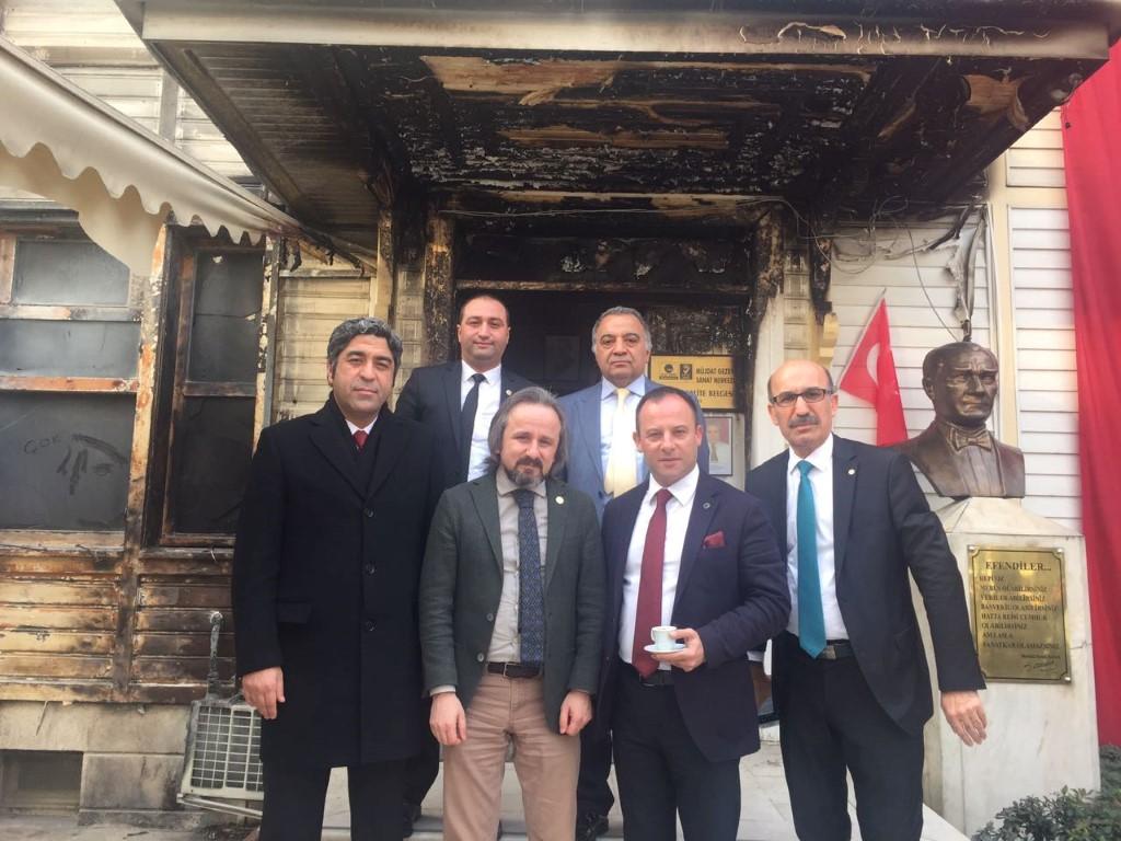 Zafer Kazan'dan Müjdat Gezen'e geçmiş olsun ziyareti