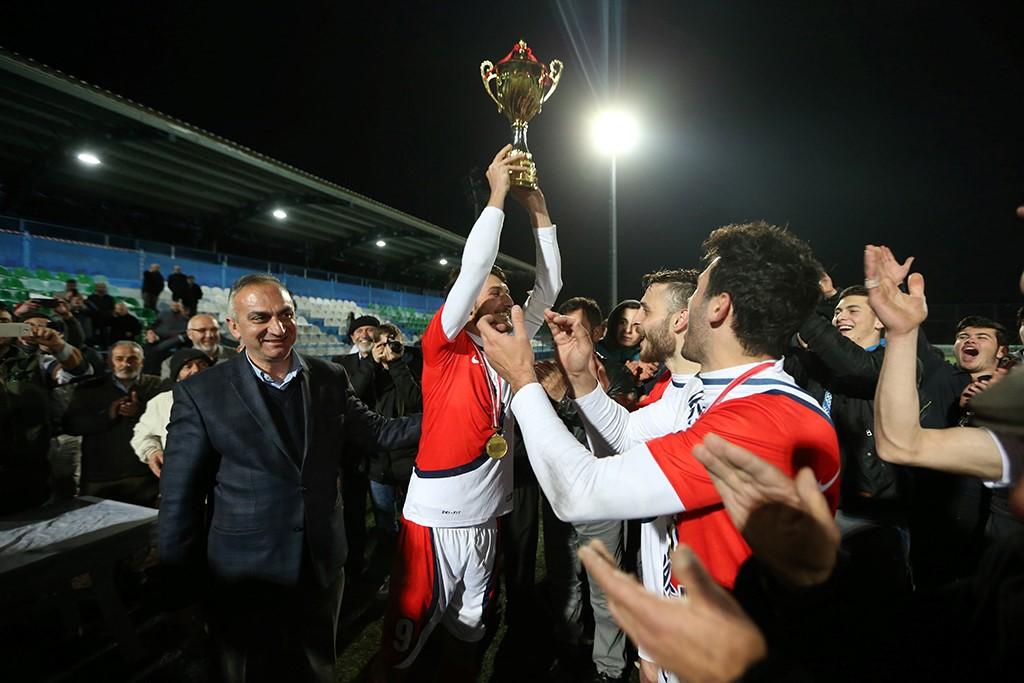 Başkanlık Kupası Sapanca Kurtköyspor'un