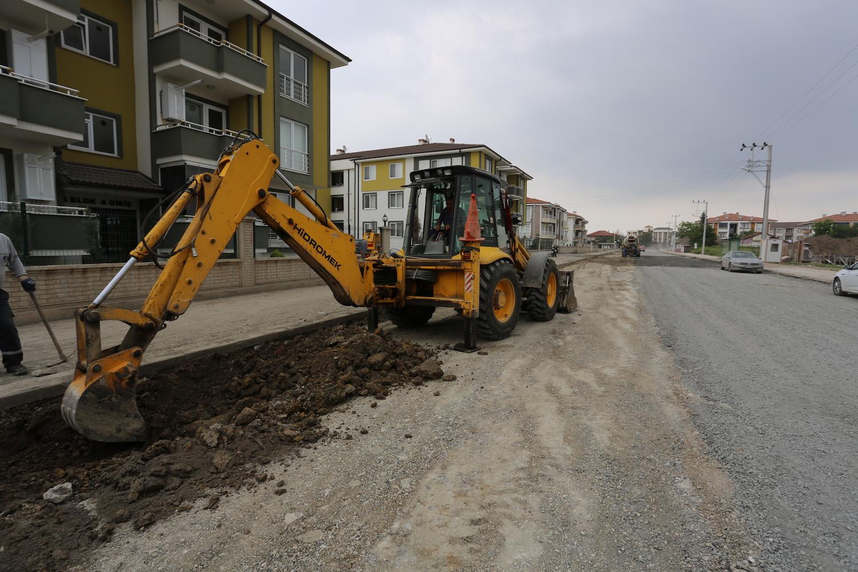 Süleyman Binek Caddesi Yeni Yüzüne Kavuşuyor