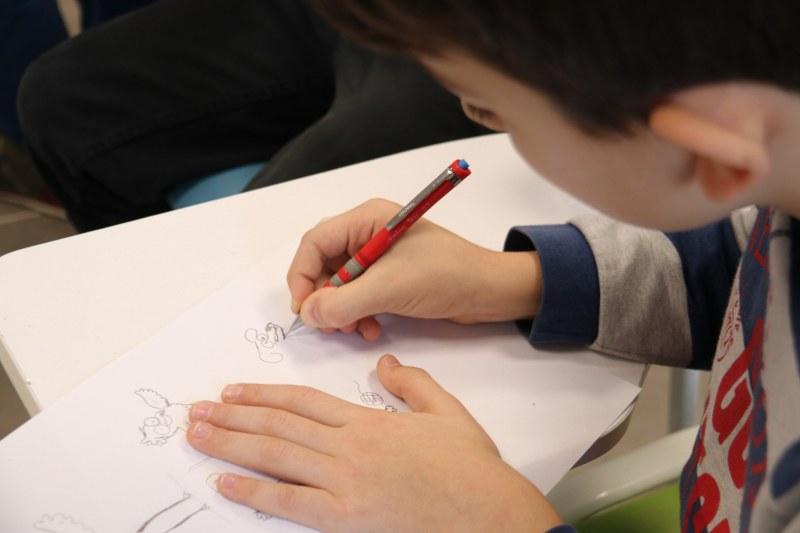 Çocuk akademisi'nde yetenekli kalemler iş başında
