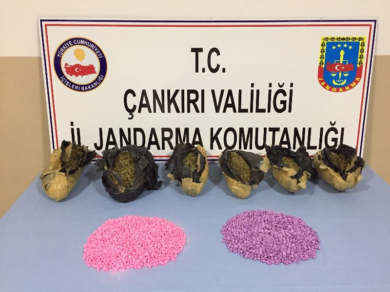 Sakarya'da takibe alındılar Çankırı'da yakalandılar